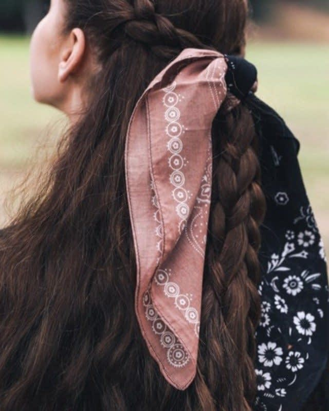 We love a good fall hair scarf! 🍂 Wear it any way you'd like, it is so versatile that its the perfect stable piece in your collection! Shop on merchantile.co from our merchant @soultreecity !⠀⠀⠀⠀⠀⠀⠀⠀⠀ •⠀⠀⠀⠀⠀⠀⠀⠀⠀ •⠀⠀⠀⠀⠀⠀⠀⠀⠀ • #onlineshopping #fashion #onlineshop #shopping #style #online #onlinestore #onlineboutique #instafashion #ootd #fashionblogger #shoppingonline #love #fashionista #instagood #instagram #follow #shoponline #accessories #dress #handmade #shoes #beauty #fashionstyle #shoplocal #boutique #marketplace #merchantile